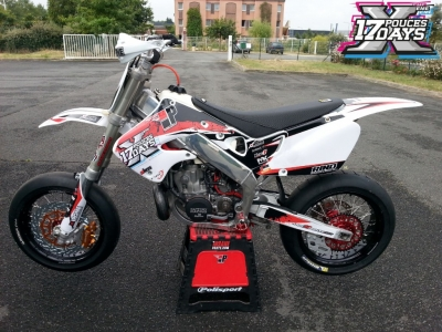 Transformer sa moto de cross ou d'enduro en Supermotard